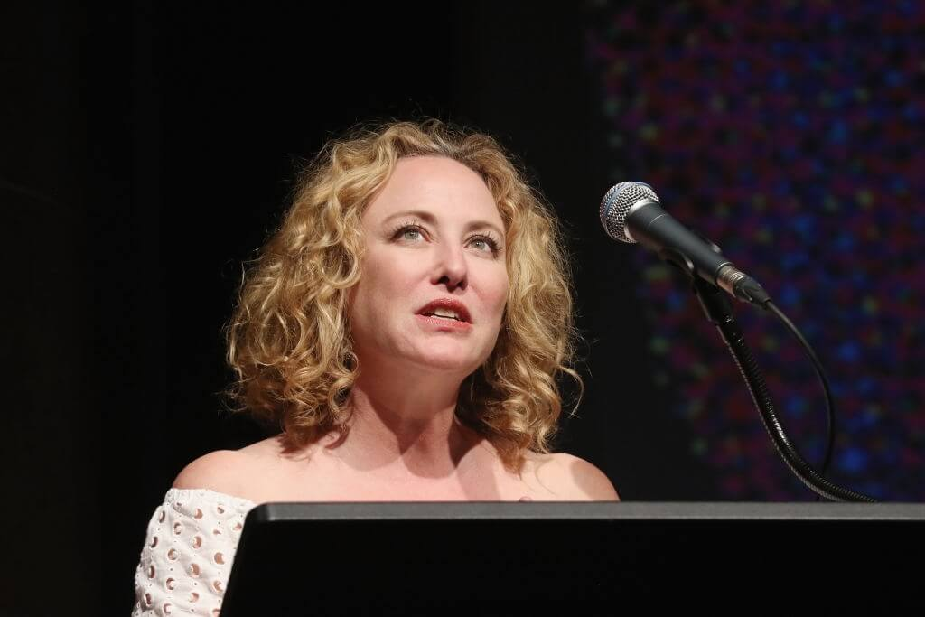 Sarah Hyland Body Measurements and Net Worth - Celebrity